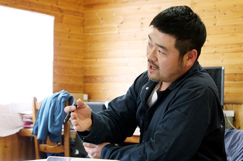 箸荷牧場の代表、今中さん