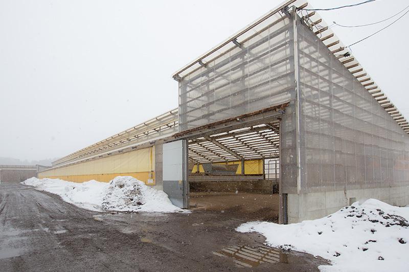 松山農場の堆肥舎