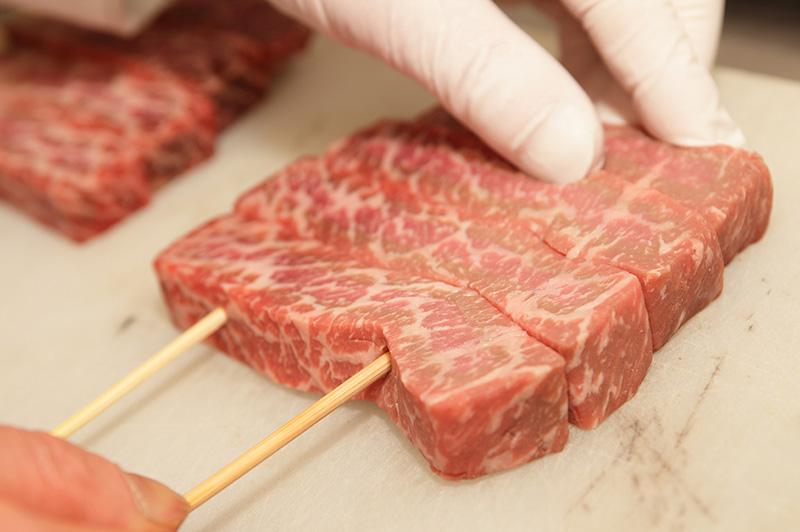 串をさした肉