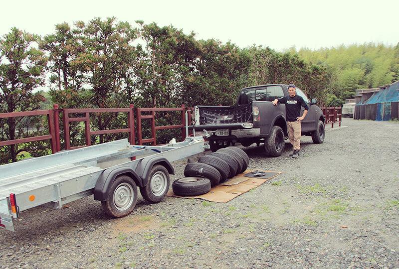 86をサーキットに運ぶためのトラック