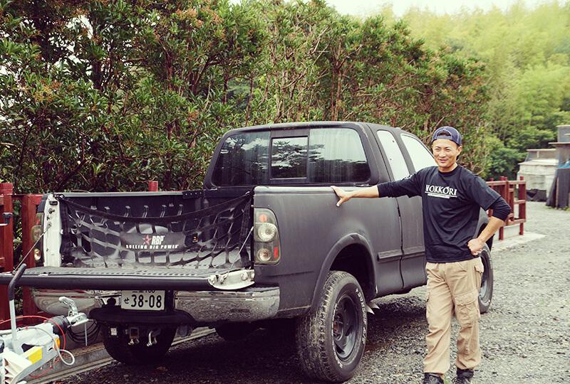 トラックと加藤さん