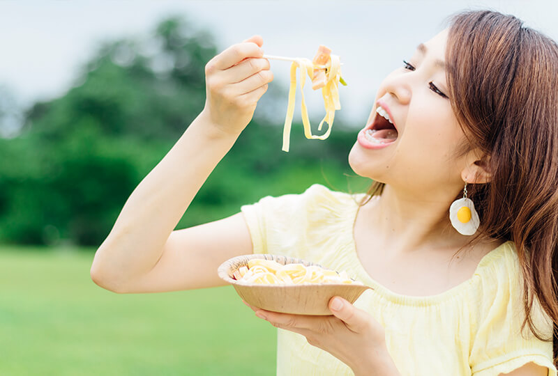 カルボナーラを食べる