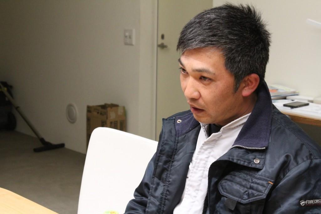 インタビュー中のアリタホックサイエンスの在田さん