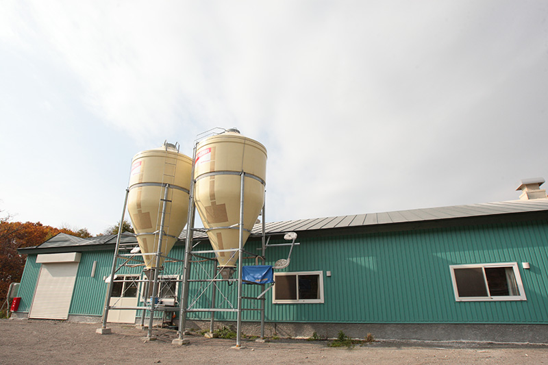 室蘭うずら園の工場