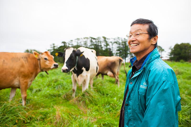 久世牧場の久世さんと牛