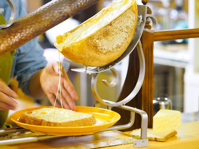 自家製ライ麦パンのトースト