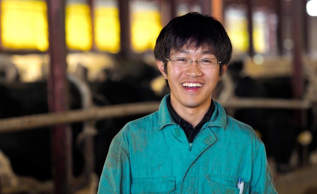 笑顔の宗谷岬牧場の川崎さん
