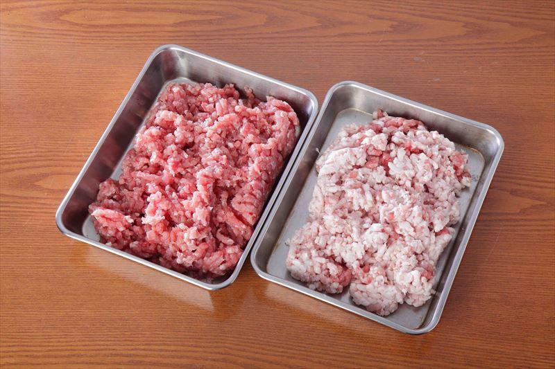 豚肉(赤肉部分、粗挽き)