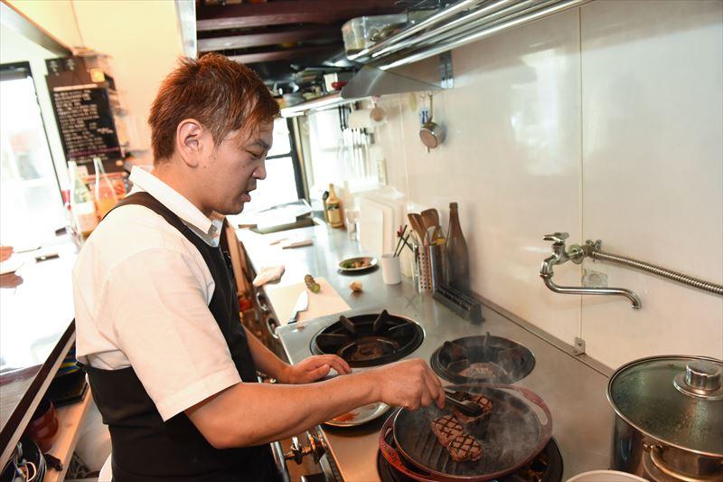 33 kitchenのオーナー、河野さん