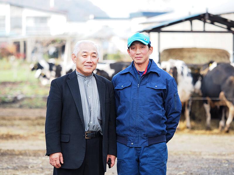 あすなろファーミングの村上勇治さんと博昭さん