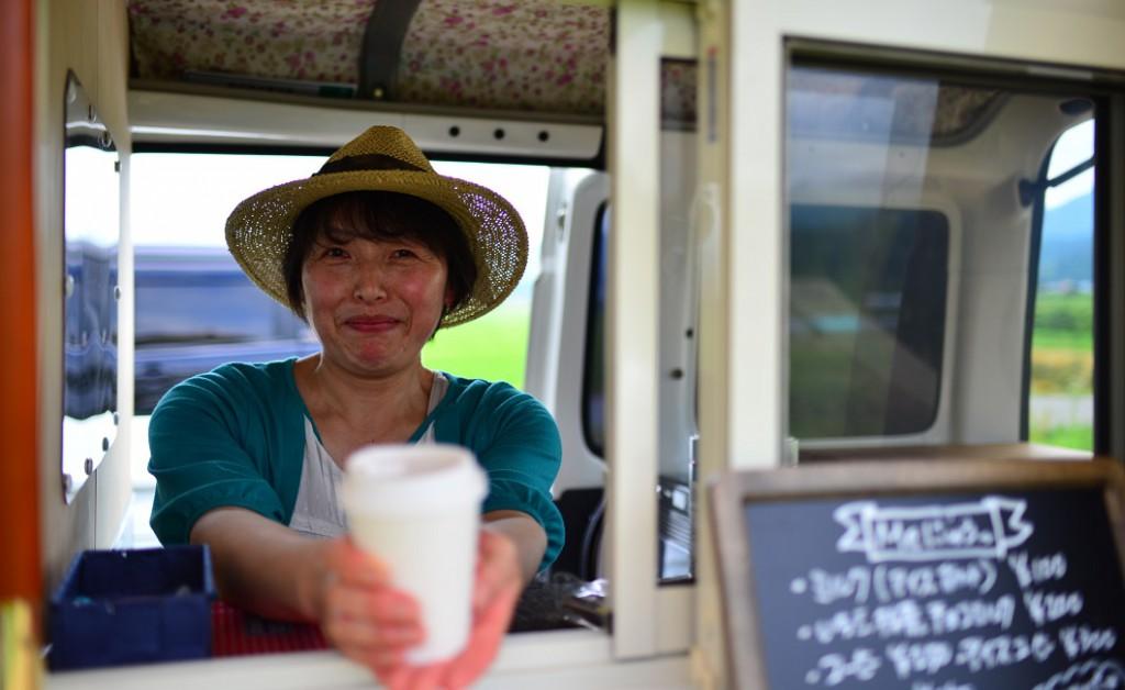 移動式カフェを営む福田裕子さん