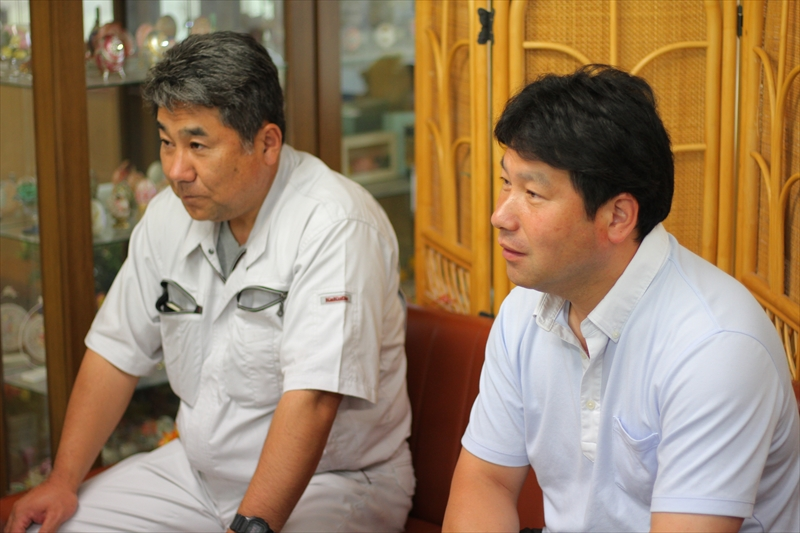 代表取締役社長の酒井毅さんと専務取締役の酒井裕之さん