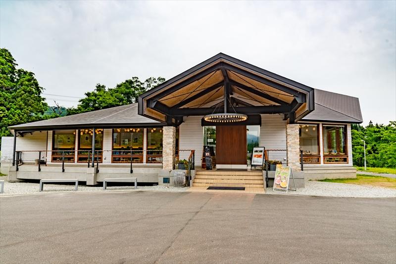 直営カフェ「ufu uhu garden(ウフウフガーデン)」
