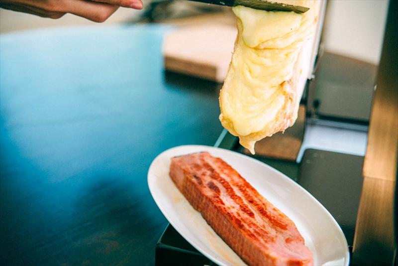 ベーコンとラクレットチーズ